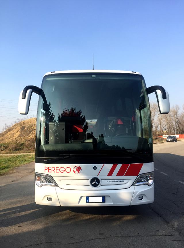 Mercedes-Travego-3Assi-2_3